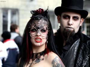 classic halloween costumes Vampire